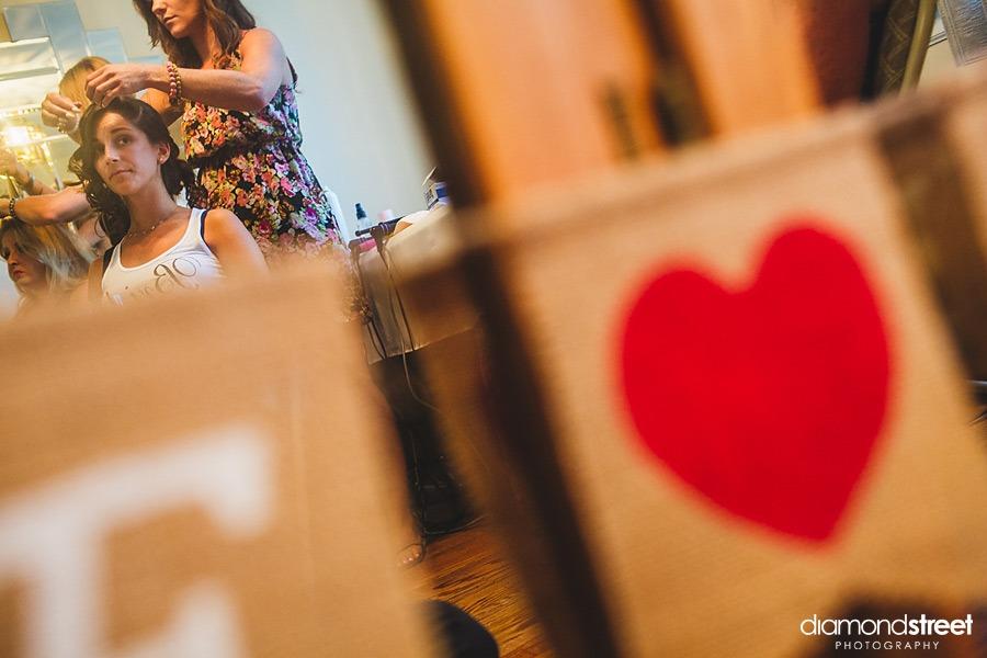 philadelphia bride gets ready photos