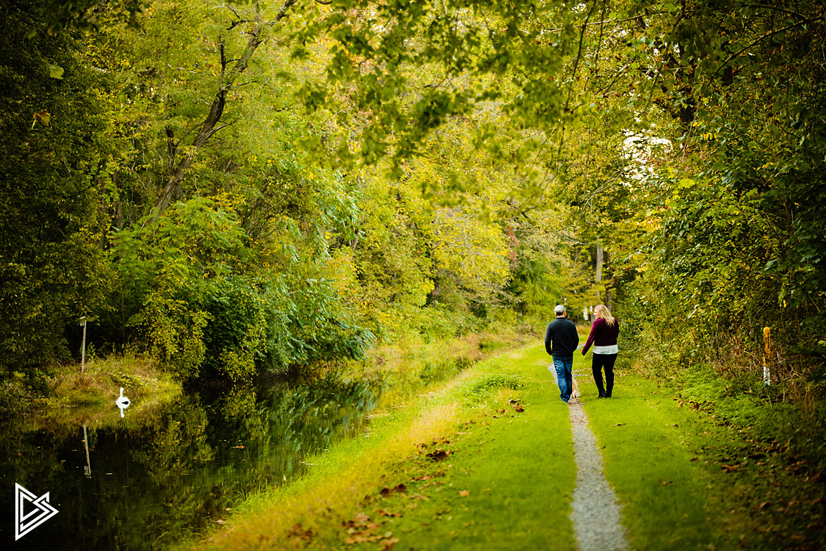 Delaware Canal Towpath engagement photos
