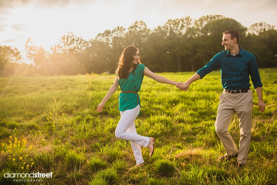 Huntingdon Valley engagement pictures