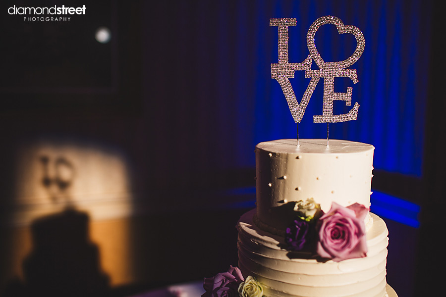 Radisson Valley Forge Wedding cake photo
