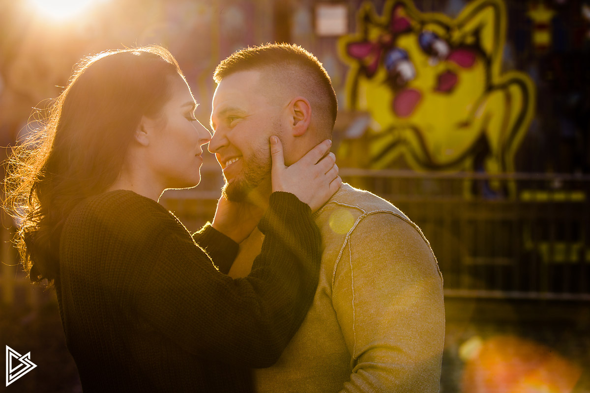 Spruce Street Harbor Park Engagement pictures
